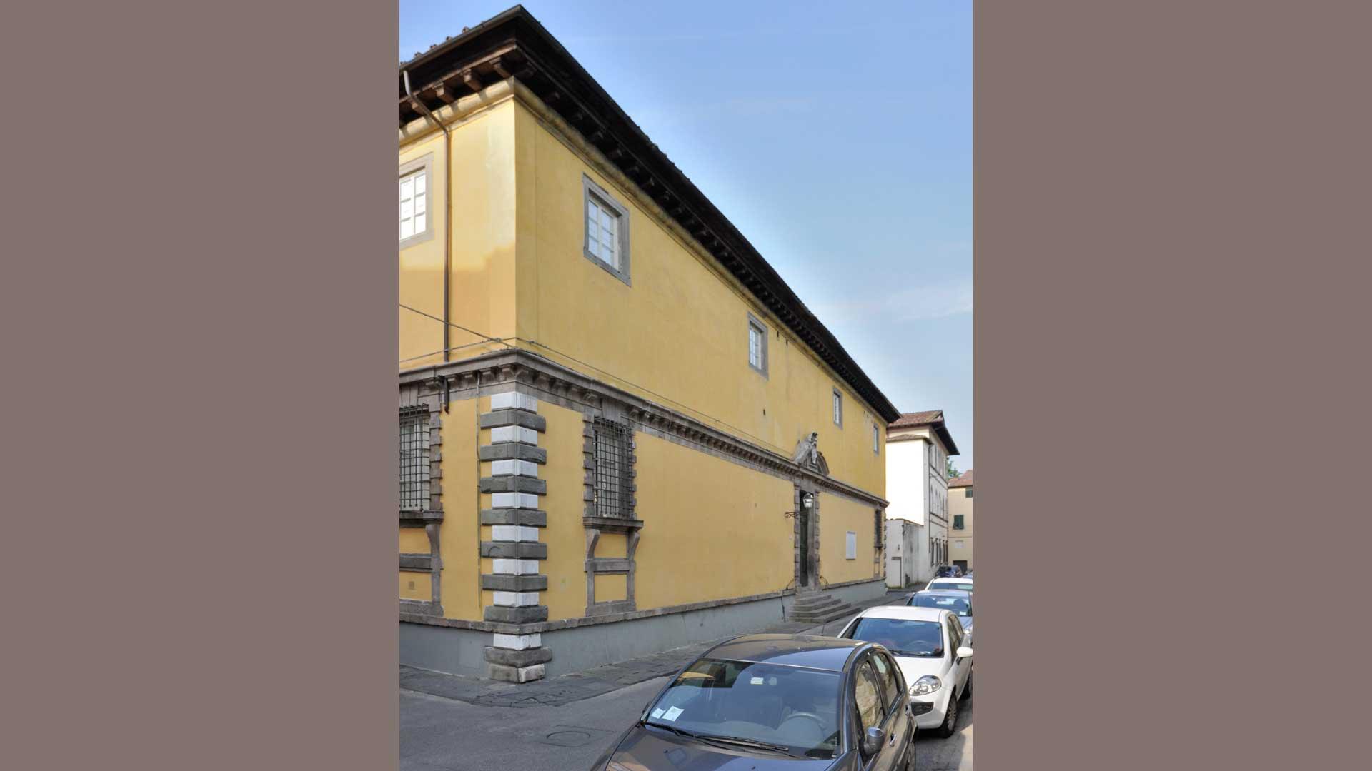 Palazzo degli Oblati, ex sede del Seminario Arcivescovile