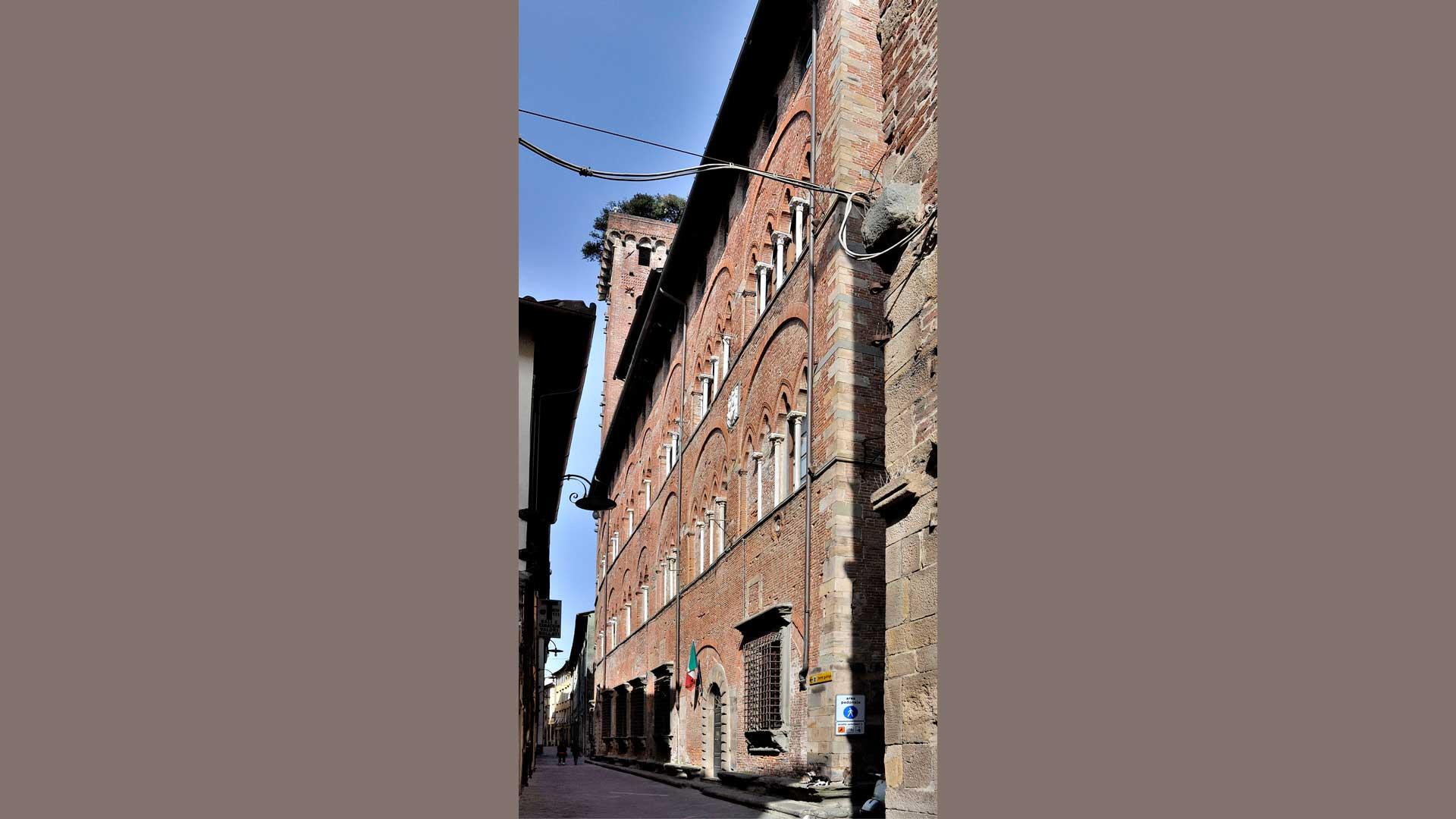 Palazzo di Dino Guinigi